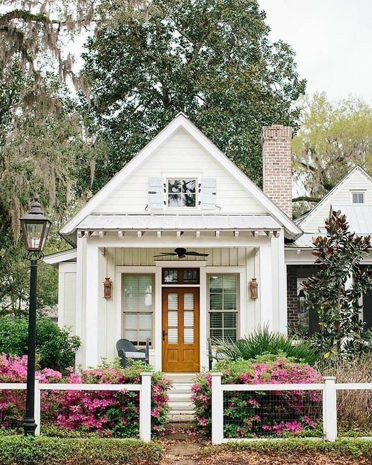 Smallhouse Exterior Ideas: Pin By Joelle Friend On H.White