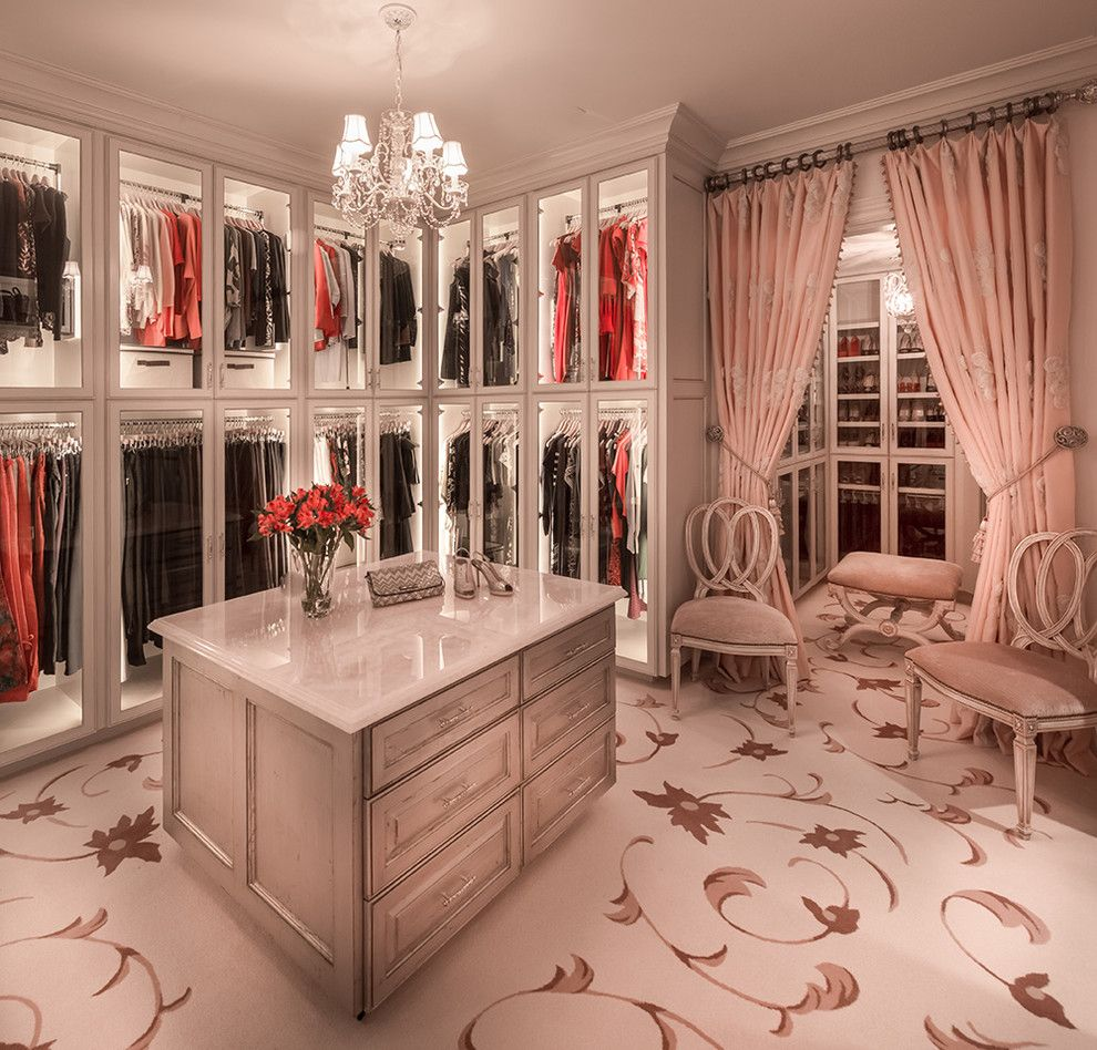 15 Elegant Luxury Walk In Closet Ideas