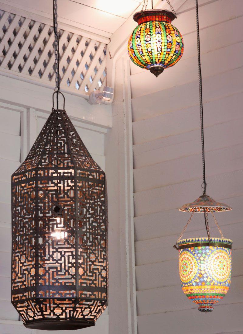Laternen ob aus metall oder bunten glassteinen passen in den eingangsbereich die veranda for Marokkanische tischlampe