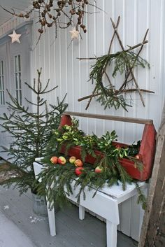 It`s beginning to look alot like Christmas .....