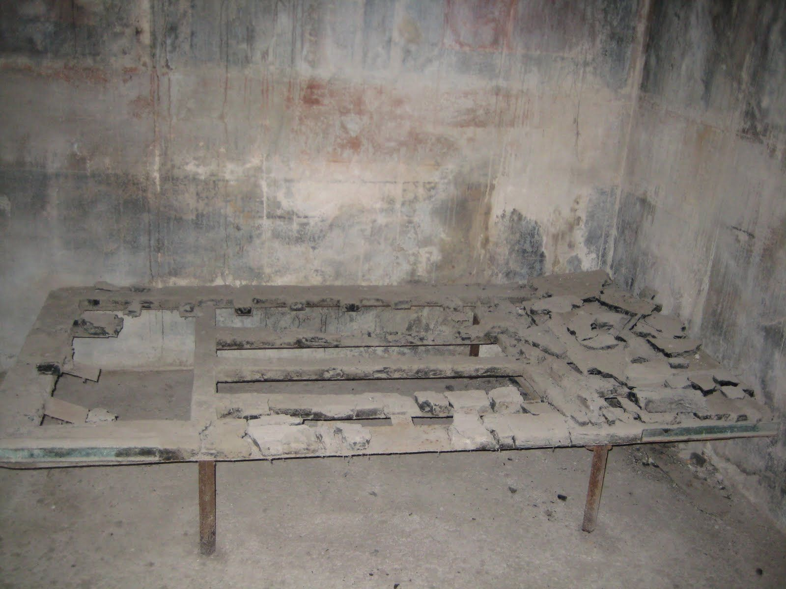 Roman Furniture From Herculaneum Bed Frame Even Fairly Wealthy Romans Mostly Used These Simple Beds