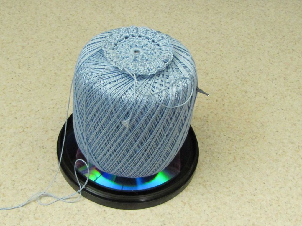 Rotating Yarn Holder