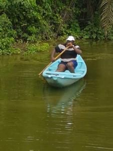 Governor Dickson Of Bayelsa Caught Fishes In A River (Photos)