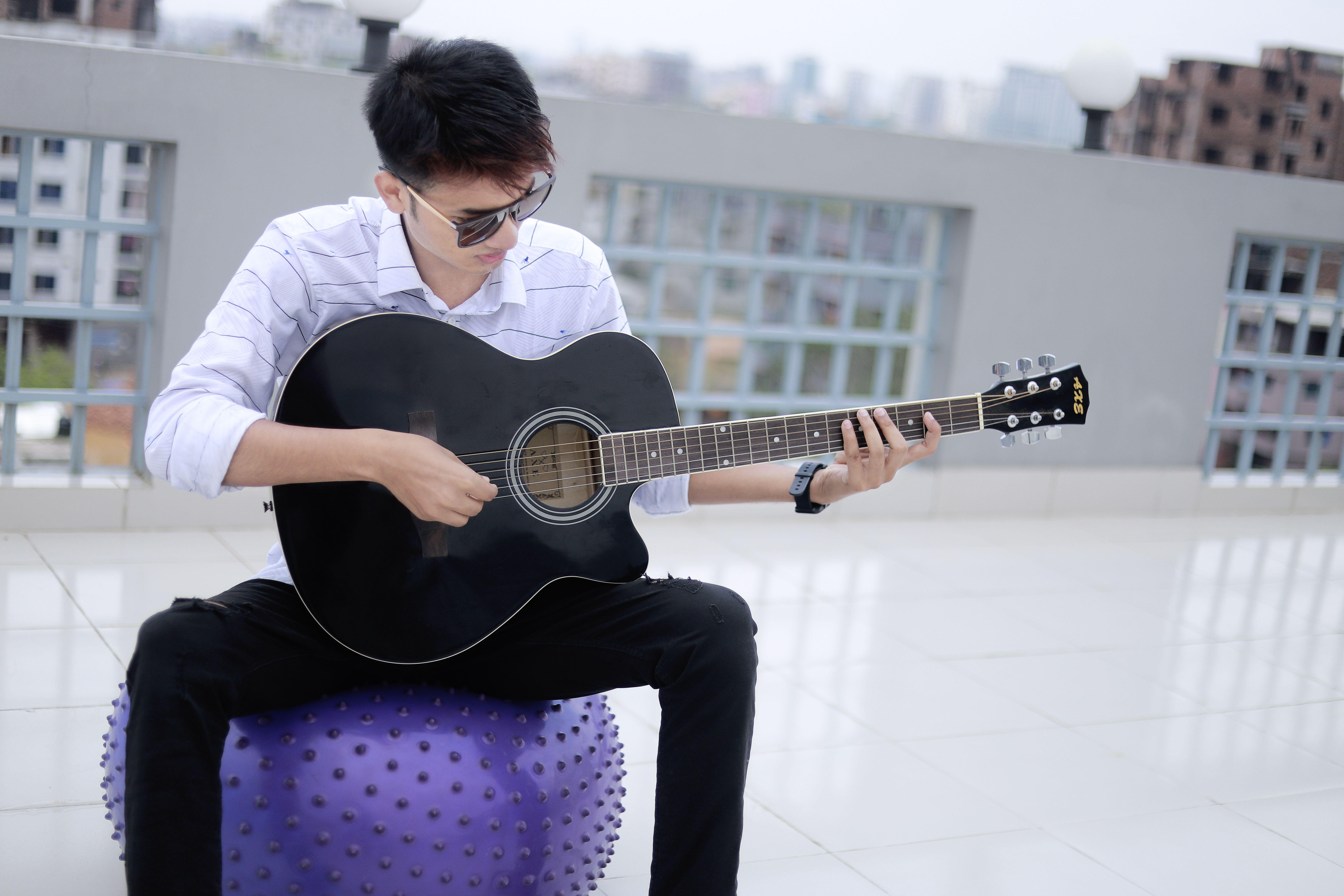 Guitar Boy Style Very Handsome Boy Guitar Boy Boy Fashion Handsome Boys