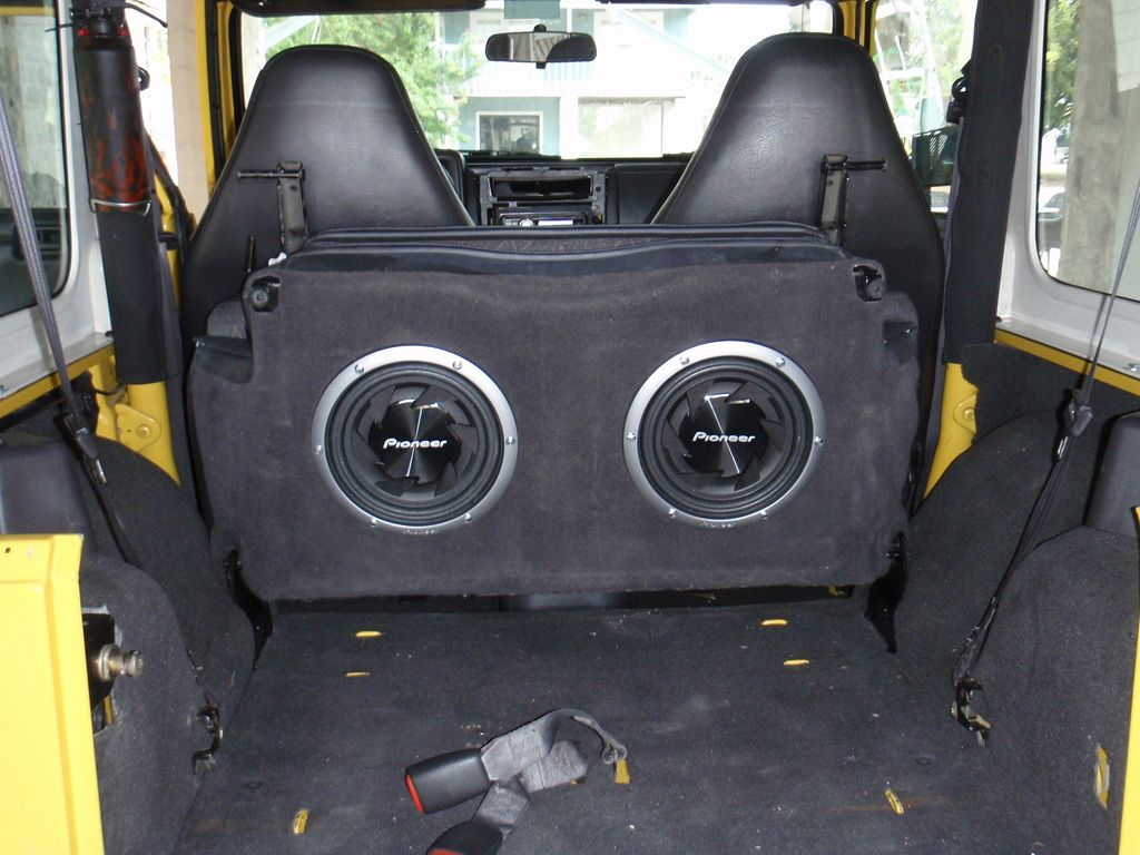 Backseat Subwoofer C H A R I O T S Jeep Wrangler