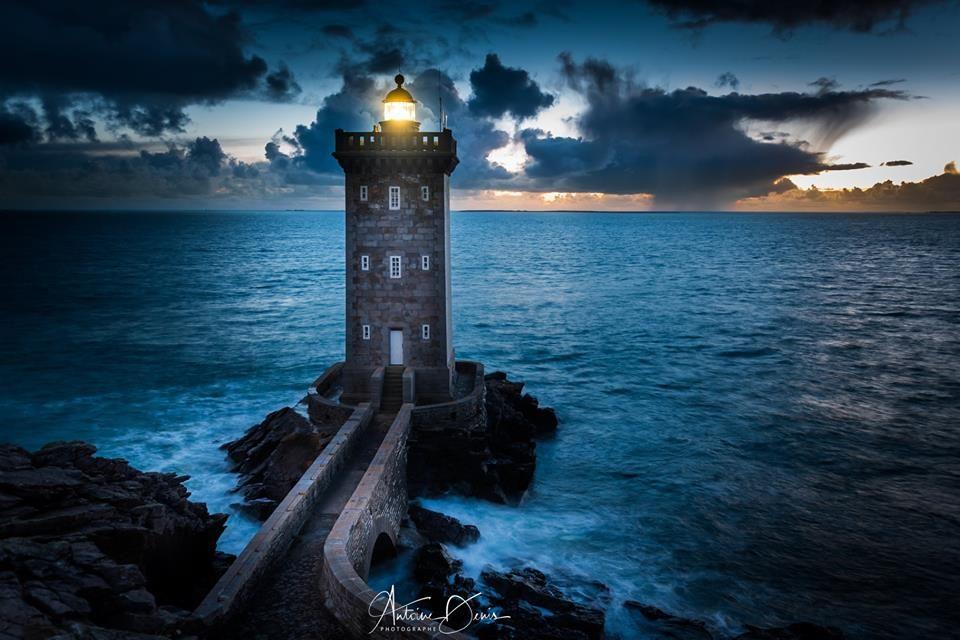 Les Photos D Antoine Denis Sont Disponibles A La Vente Ici Cliquez Sur L Image Phare Ce Soir Vous A Lighthouse Inspiration Lighthouse Pictures Lighthouse