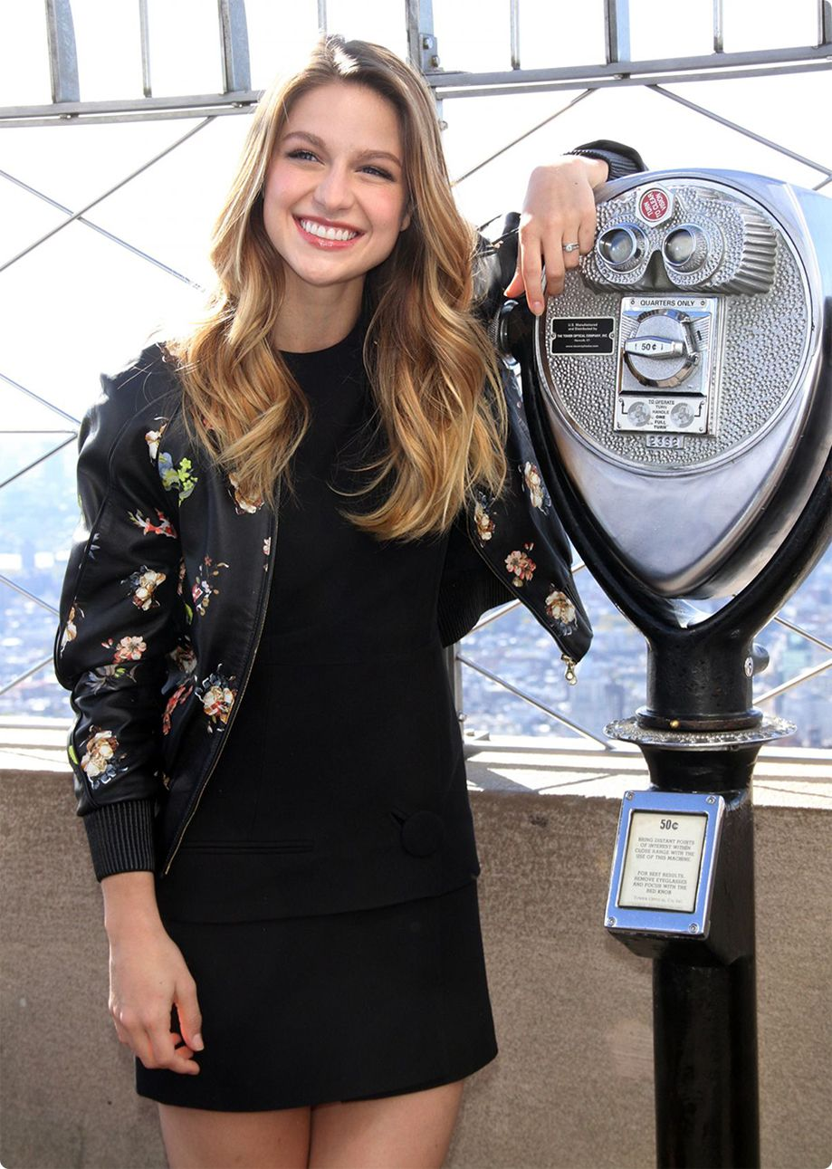 Now Listen Up Melissa Benoist With Images Melissa Benoist Hot Melissa Supergirl Melissa Benoist