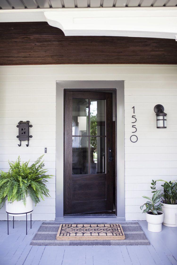 a modern craftsman porch #craftsmanstylehomes