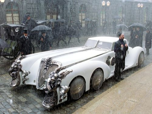 "Nemo's car from ""League of Extraordinary Gentlemen"" ""It's called an automobile."""