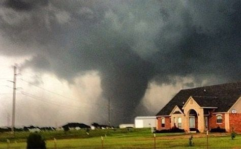 Viewers Of Kfor Tv Sent In Hundreds Of Photos Of The Tornado That