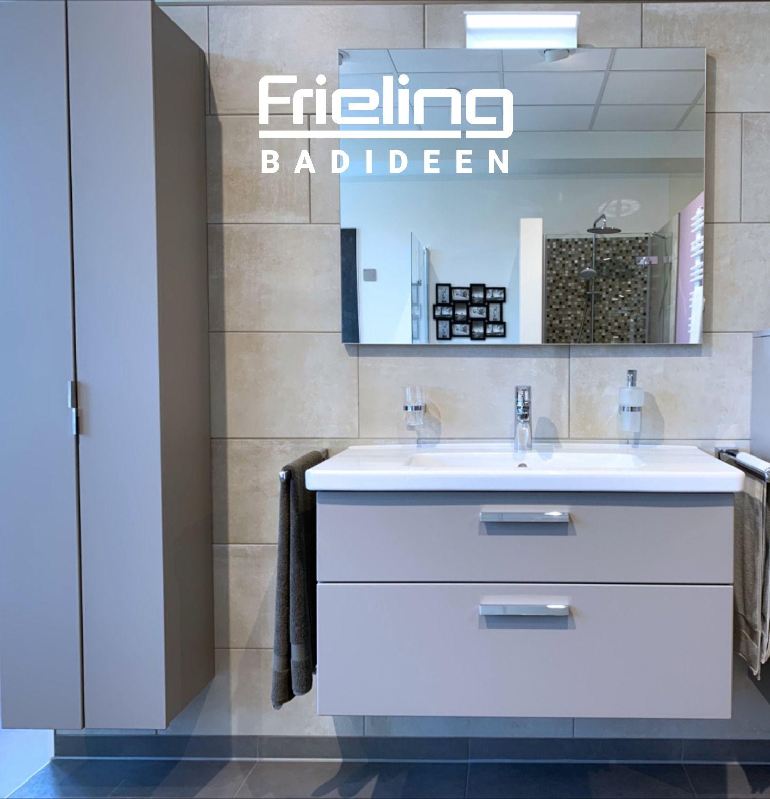 Stylischer Stauraum Ihre Schranke In Szene Setzen Moderne Waschtischanlage Pastelltone Im Bad In 2020 Bader Ideen Bad Design Badezimmerspiegel
