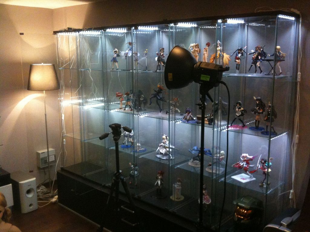 comic book statue custom built in cabinets - Google Search | shelf ...