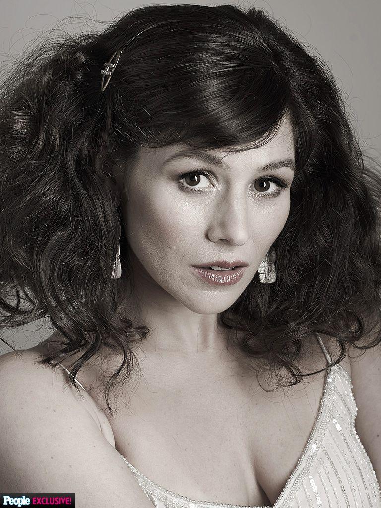 yael stone actress