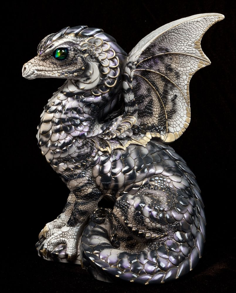 1000 Images About Dragon Collectibles On Pinterest