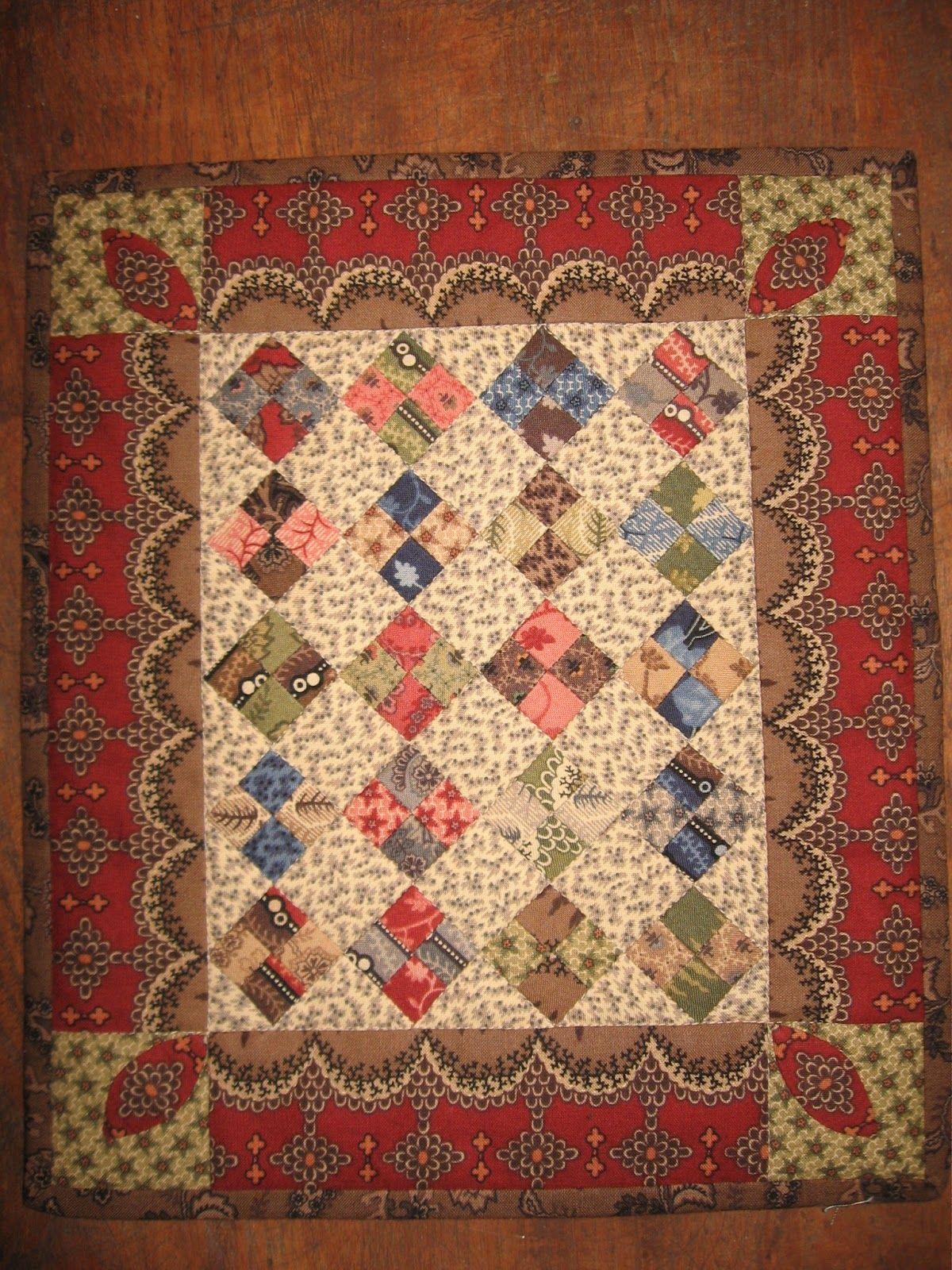 Little Shop Quilt http://4.bp.blogspot.com/-Ag-rTlBKLIQ/UUm8HcntiTI/AAAAAAAAA08/i7duC14v4dc/s1600/023.JPG