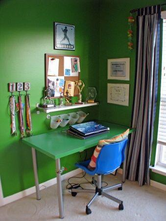 BOY\'S GREEN BEDROOM - Boys\' Room Designs - Decorating Ideas ...