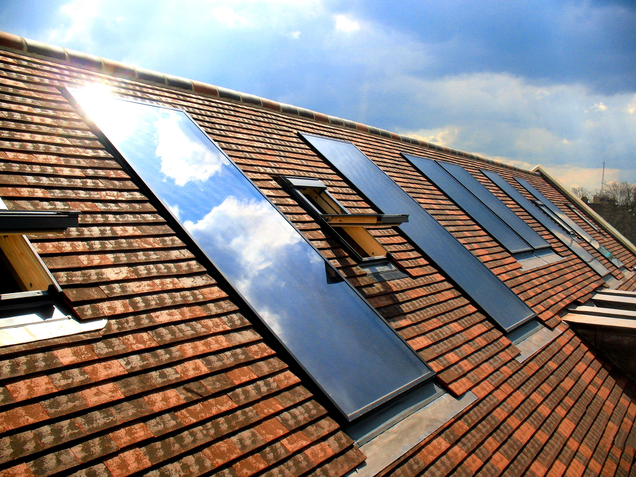Clearline Solar Thermal Panels Integrated With Plain Tile Roof Cambridge Uk Solar Roof Tiles Solar Panels Solar Roof