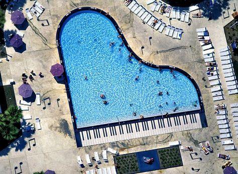 Piano pool at Disney All-Star Music resort in Florida. www.monpaname.tumblr.com