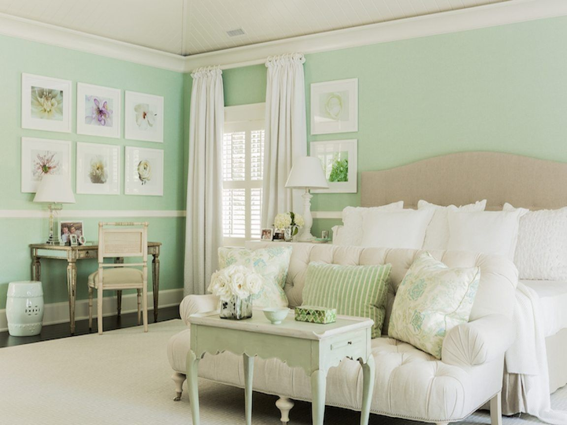 10 Beautiful Master Bedrooms With Green Walls Mint Green Bedroom Green Bedroom Walls Green Master Bedroom