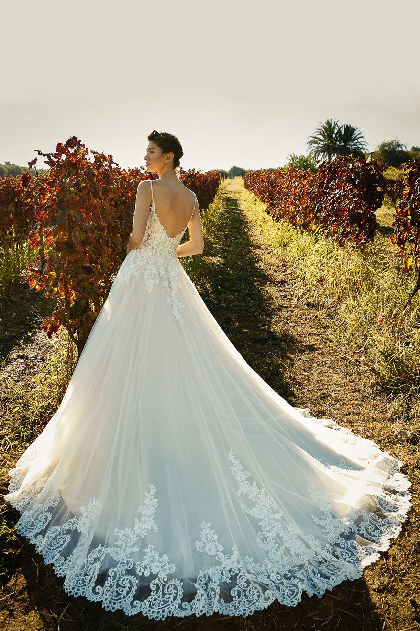 Pin auf Brautkleider mit Schleppe