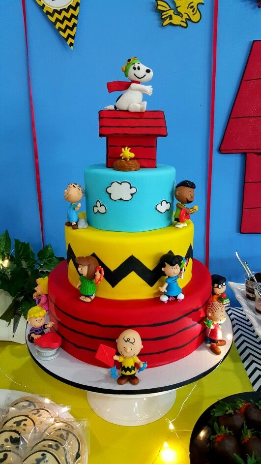 Birthday cake Cakes Pinterest Snoopy Cake and Charlie brown