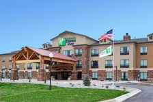 Holiday Inn Express In Lander Wy The Well Appointed Guest Rooms And Suites Are Furnished With Pillow Top Mattresses And Triple Sh Holiday Inn Inn Hotel Website