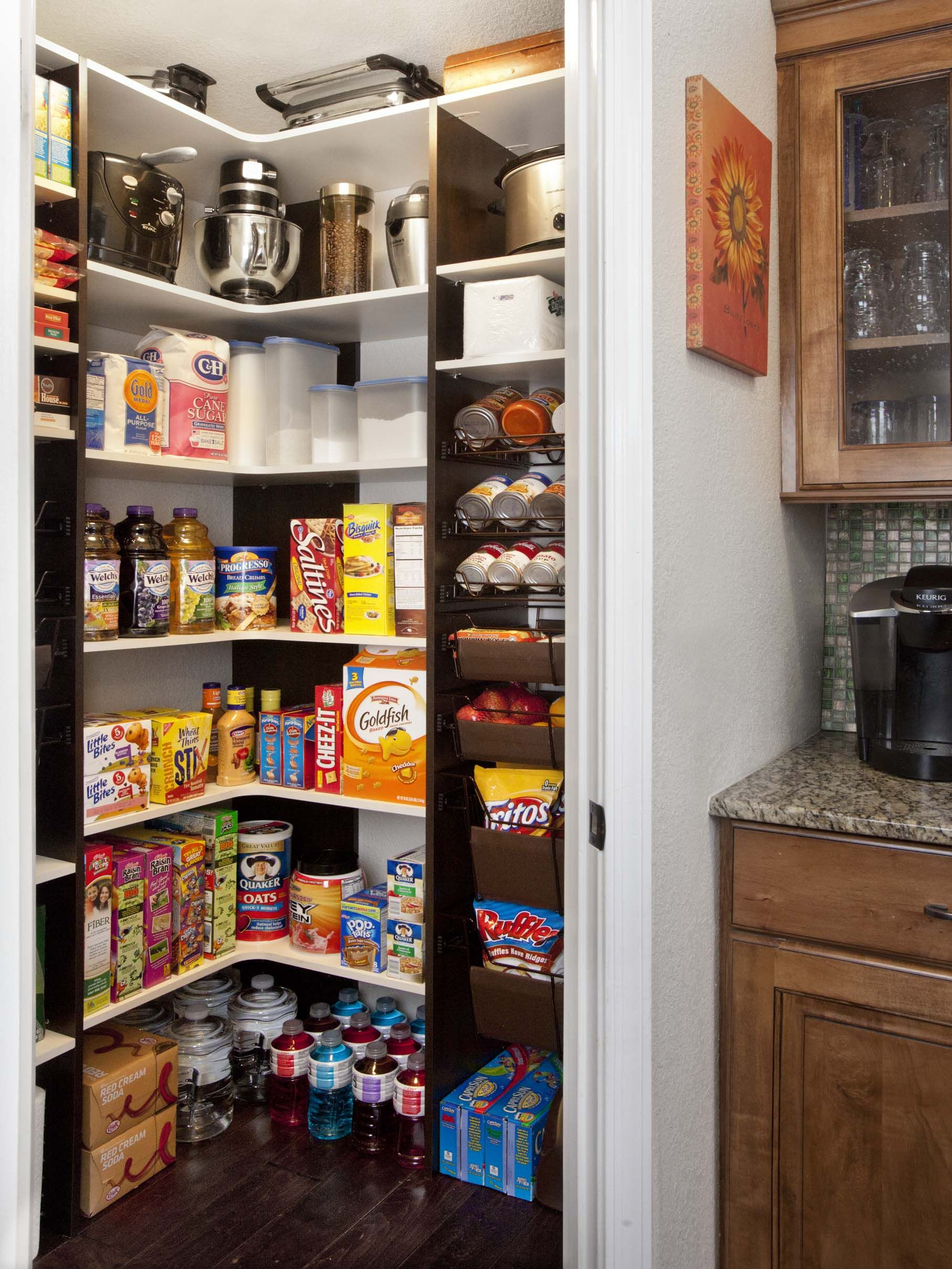 Pantry organization for all the Costco stuff | Organizing | Pinterest