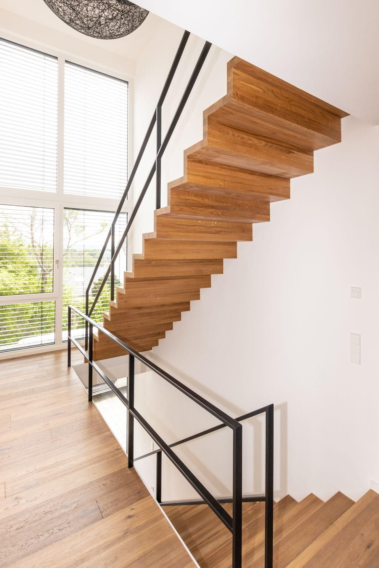 treppe metall holz