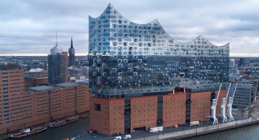 Gallery Of Fly Through Herzog De Meuron S Hamburg Elbphilharmonie At 2 Different Speeds 1 With Images Architecture Exterior Amazing Architecture Architecture Details