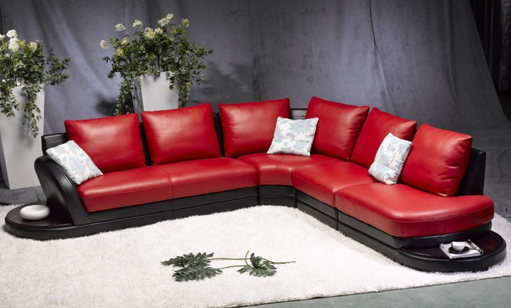 Red Leather Sofa To Complement A Modern Look - Http://Www