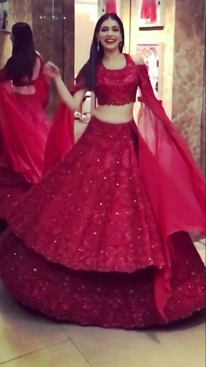 Pin by Mye designer studio on Bridal lehenga | Indian ...
