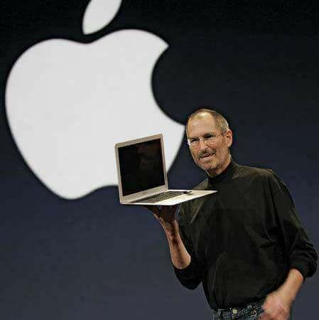 السر وراء شعار شركة ابل تفاحه مقطومه كان رد مؤسس الشركه شرحا له ف قال مهما بلغ التطور و الابداع فلن يصل الى الك Steve Jobs Biography Steve Jobs Toby Mac