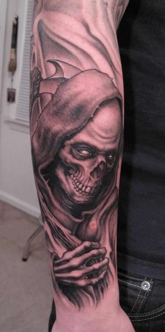 29 cool grim reaper tattoo designs grim reaper tattoo reaper tattoo and grim reaper. Black Bedroom Furniture Sets. Home Design Ideas