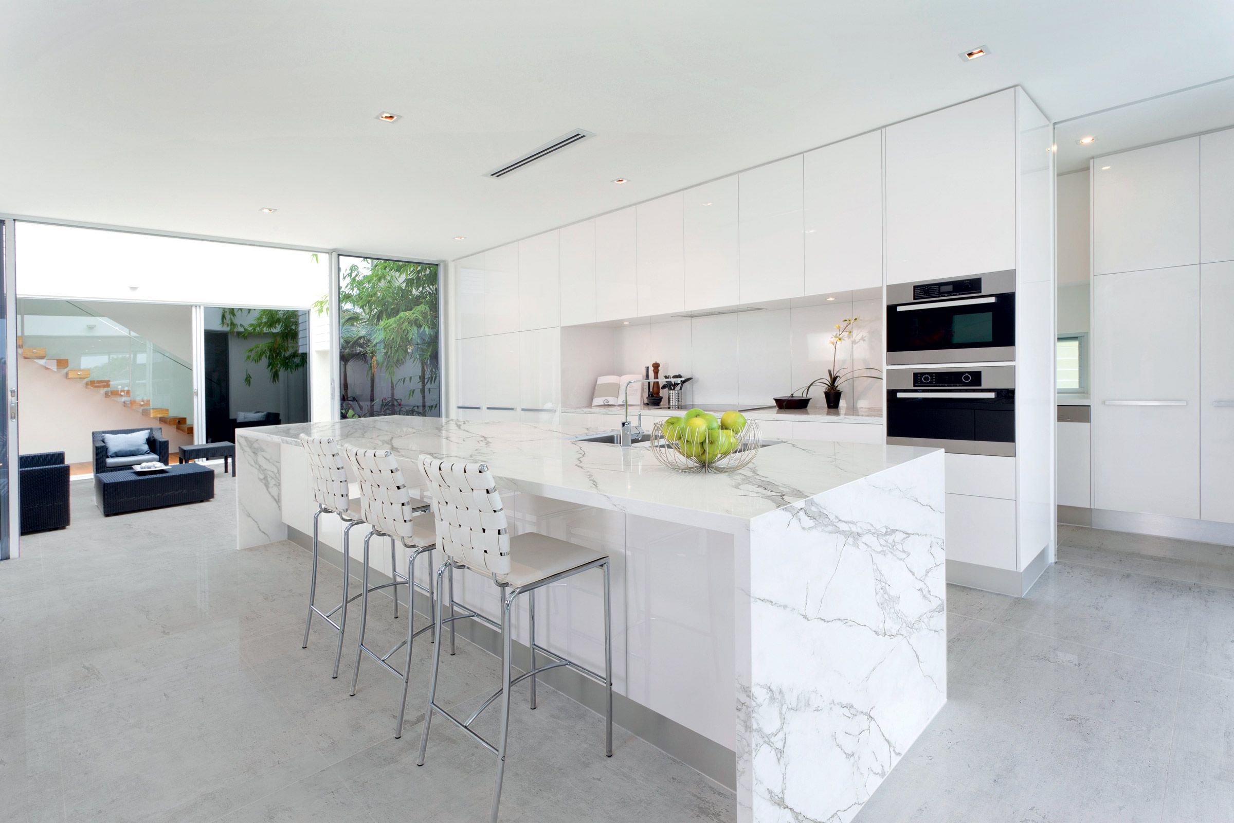 neolith-polished-calacatta-island-counter-top-waterfall (2400