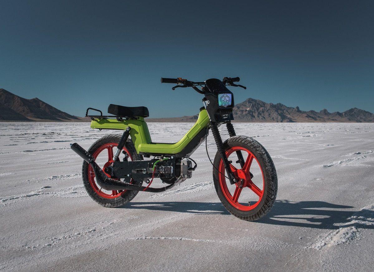 MOPED OF THE DAY | Vespa Mopeds | Vespa moped, Vespa