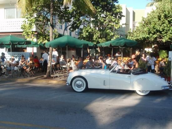 The News Cafe Miami The Best Eggs Benedict You Ll Ever Eat Miami Restaurants News Cafe Miami Beach
