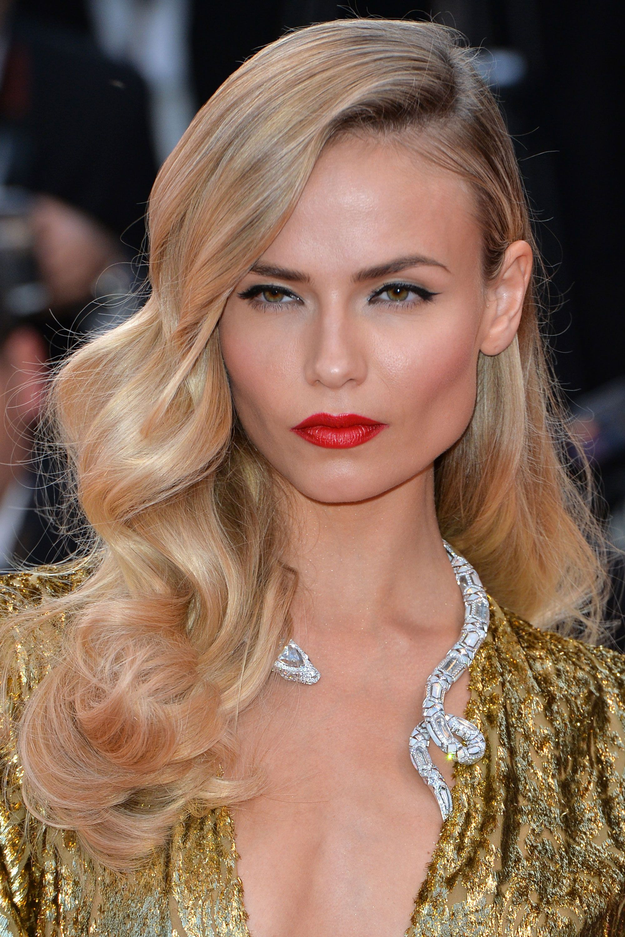 The Best Beauty Looks at the Cannes Film Festival Side