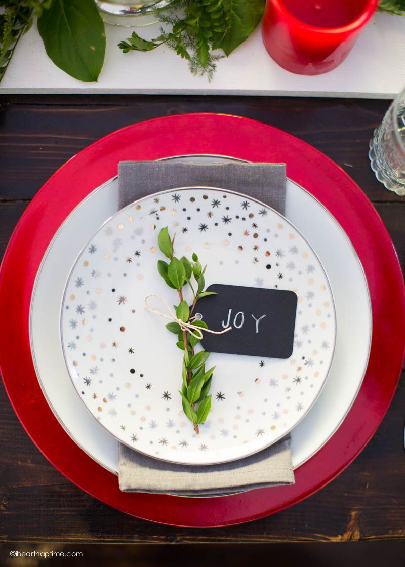 A gorgeous Christmas tablescape for when you don't have a lot of money or time…