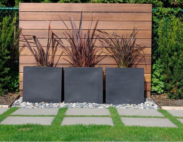 Den Sichtschutzzaun Verschonern Oder Neu Gestalten Modern Garden
