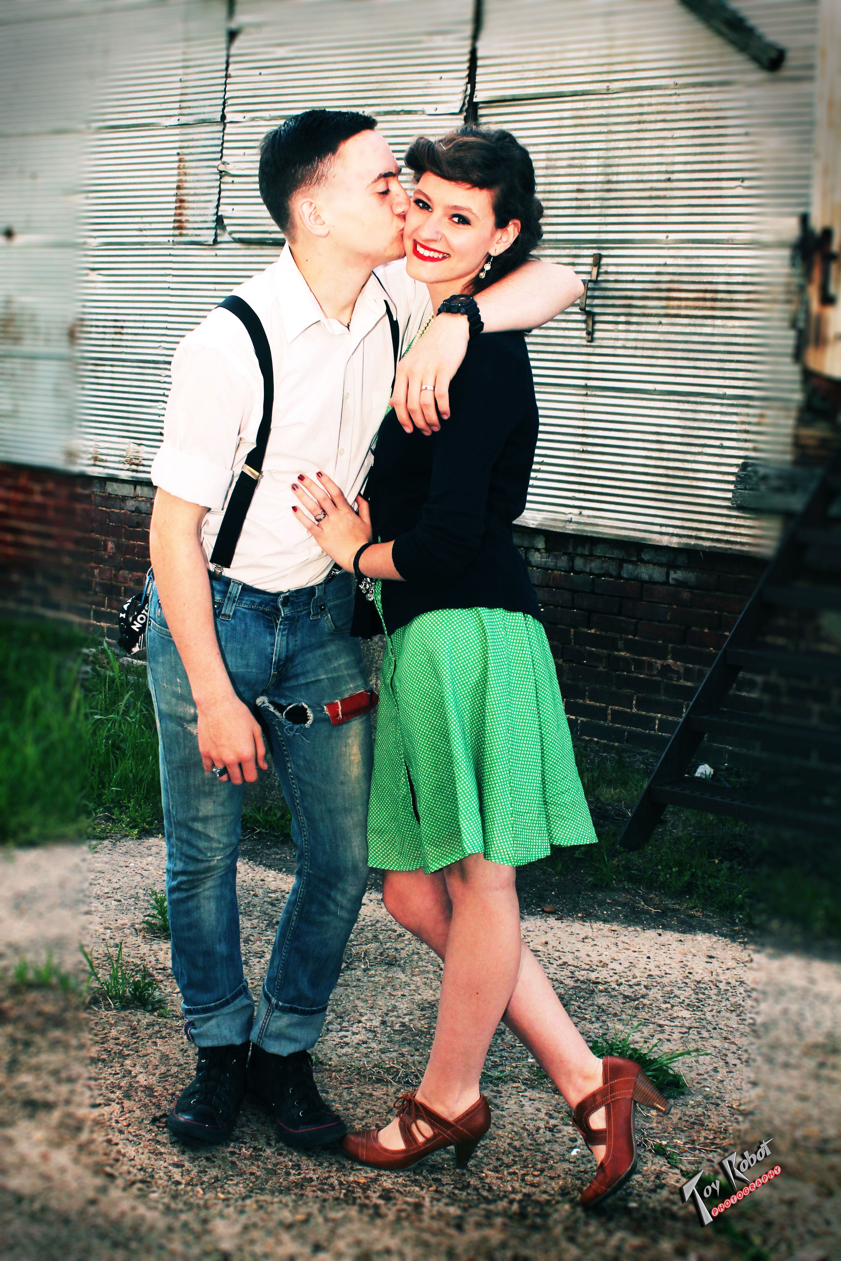 Rockabilly / Rockabella couple photo shoot. Greaser guy ...