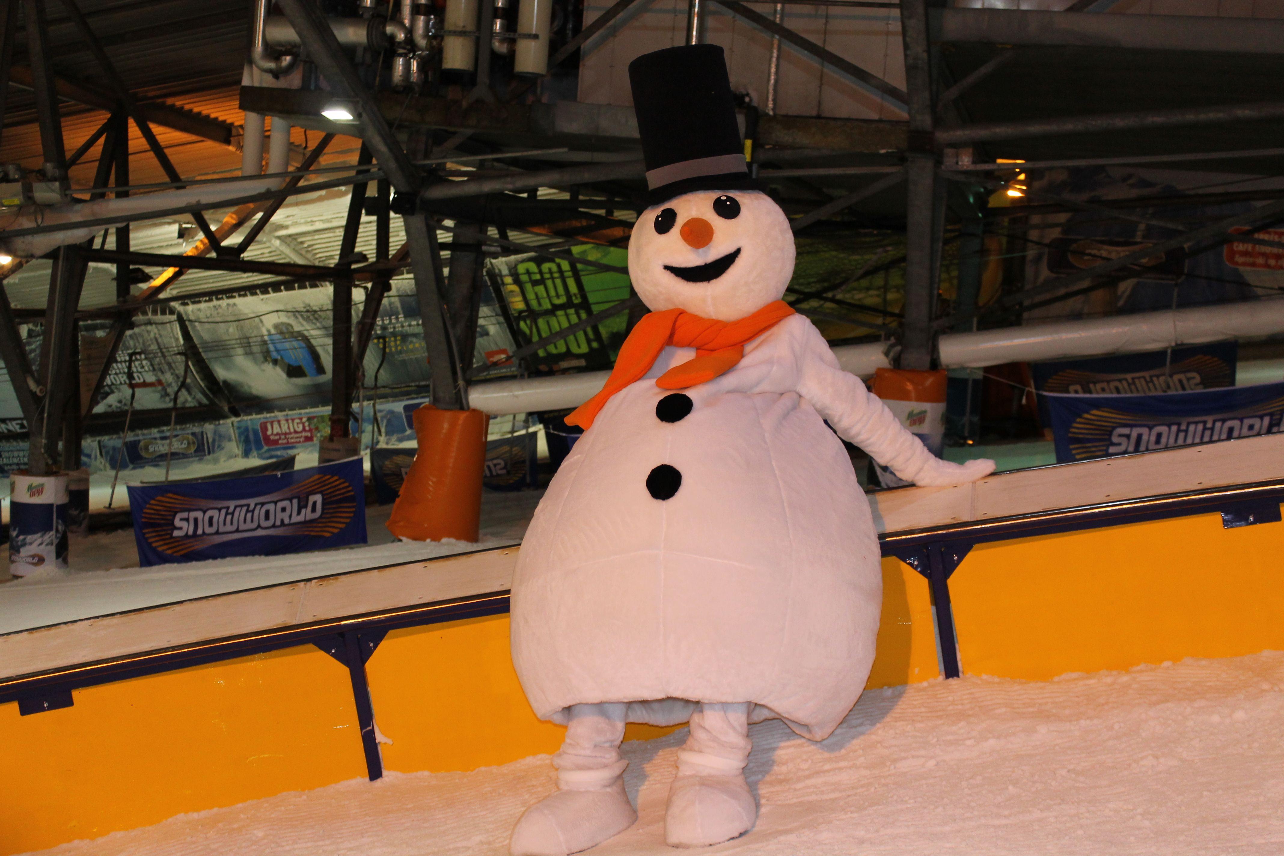 Welkom allemaal in mijn Snowparadijs! Het is tijd om te gaan stunten! Hier sta ik op de foto in het funpark. #freestyle
