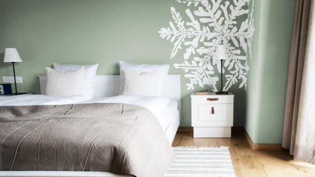 Weiß Und Naturtöne Lassen Sich Toll Mit Der Neuen Trendfarbe ... Schlafzimmer Farben Wnde