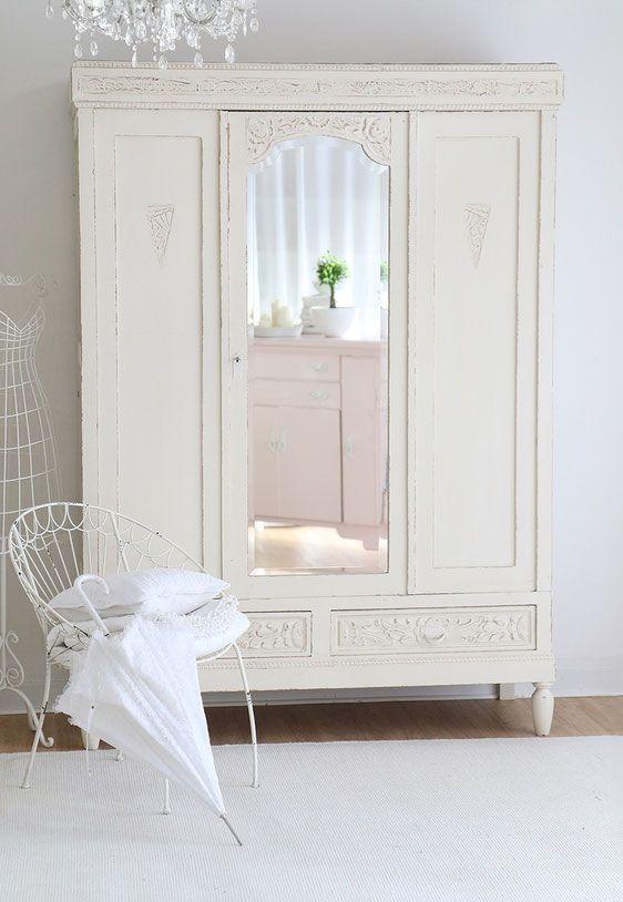 Antiker Kleiderschrank Mit Spiegel Im Facettenschliffshabby Schrank