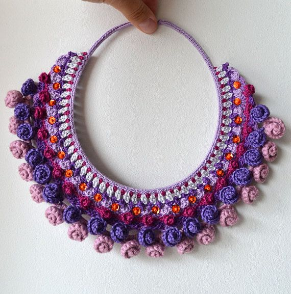 multi color textured crochet bib necklace statement di Marmotescu ♡