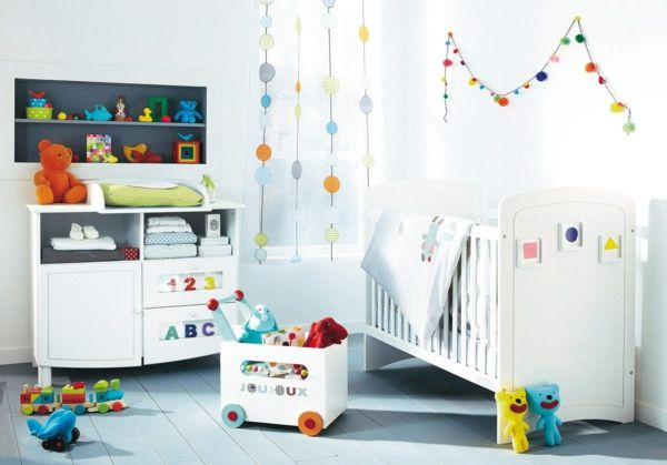 Kinderzimmer Babyzimmer ~ Süßes baby mädchen kinderzimmer rosa gardinen weiße möbel
