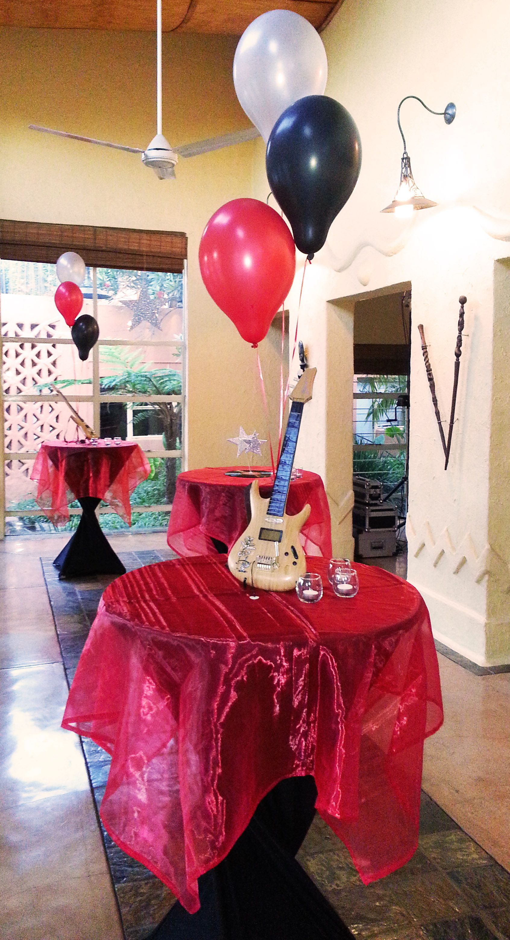 Music themed table decor for 21st birthday party at Cabanga kinda