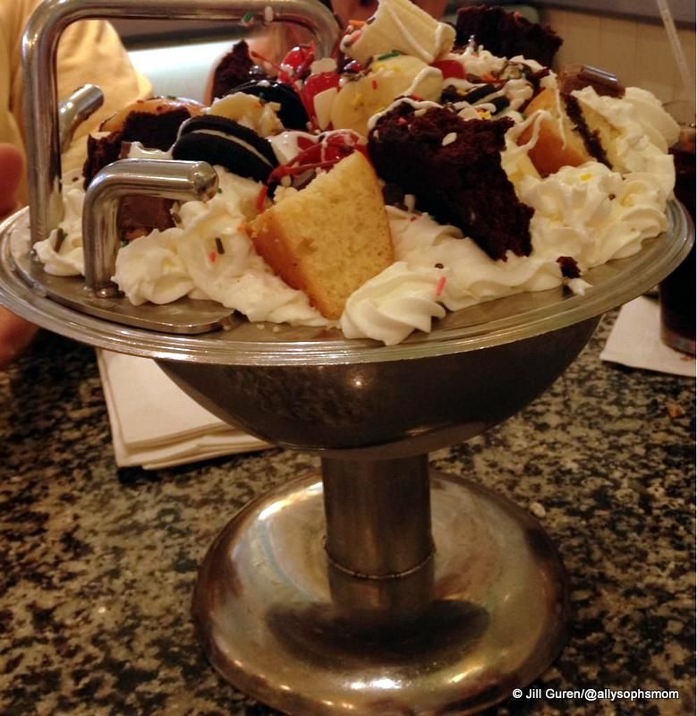Kitchen Sink Sundae at Beaches and Cream | Food from Walt Disney ...
