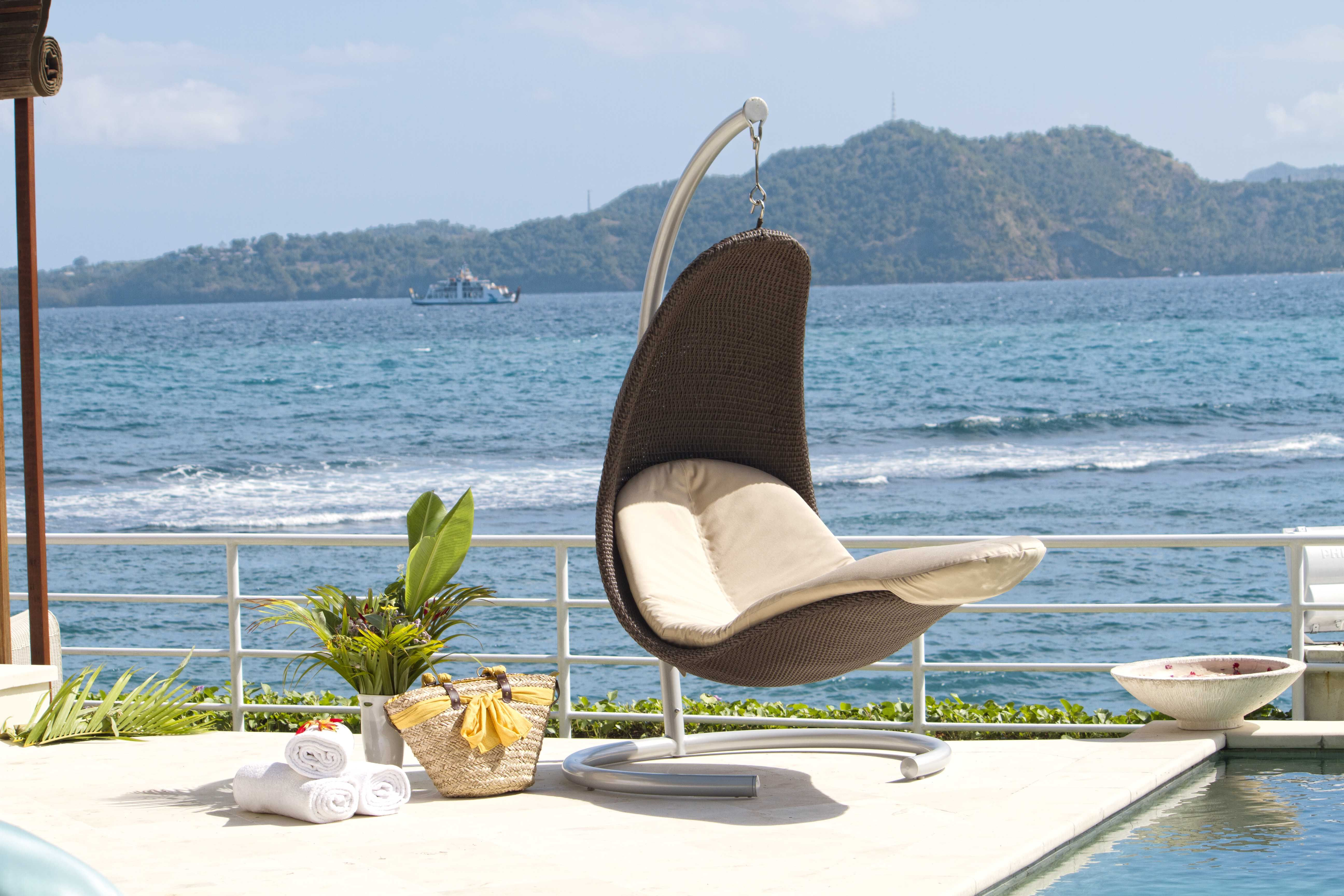 #Stylish #outdoor #Swing From Fiore Rosso Skyline Collection. Http://