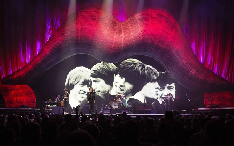 Los Rolling Stones volvieron por la puerta grande a Estados Unidos en el primero de sus conciertos en Nueva York, donde el nuevo Barclays Center de Brooklyn se llenó para vibrar con la energía y el sonido de la veterana banda británica. (Foto: Reuters).