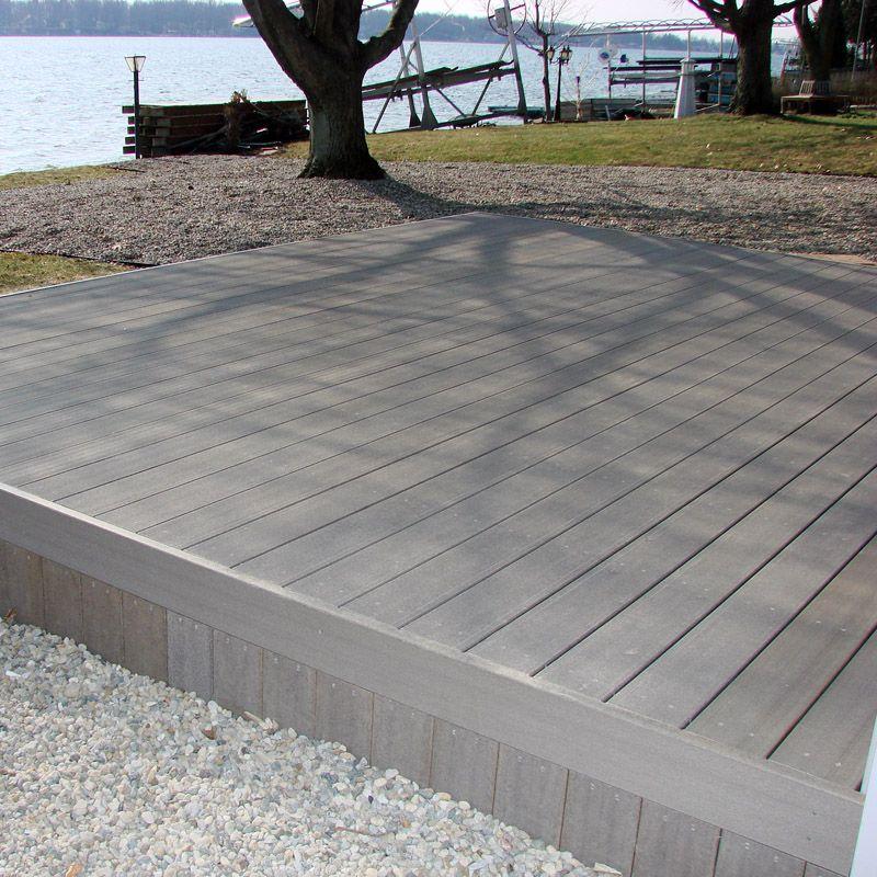 Suelo exterior gris claro wpc con grano de madera natural - Suelo composite exterior ...
